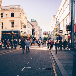 Retail industry can feel 'cautiously optimistic' says new report